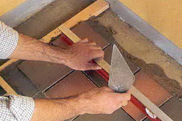 Укладка плитки на пол, инструмент, последовательность