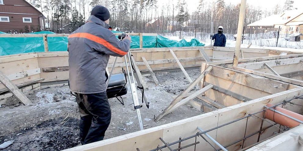 Зимнее строительство бани из пеноблоков